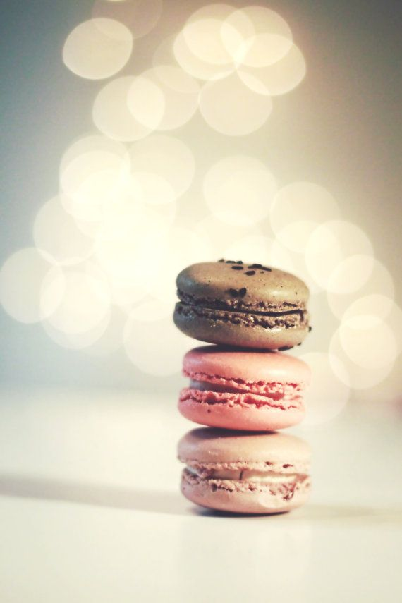 macarons in neopoliton shades