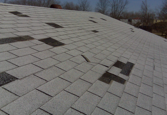 Roof Damage After Storms Hank On Homes Architectural Shingles Roof Damage Roof Shingles Types