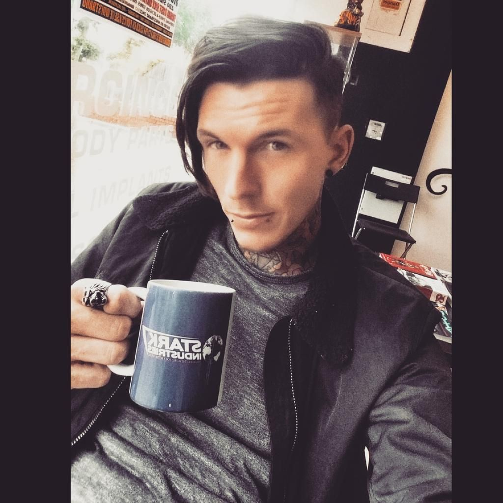 Tattoo Fixers, Sketches And Crushes