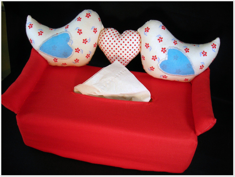 bezug f r kosmetik oder taschentuchbox mit 2 v geln und einem herz als r ckenlehne gea. Black Bedroom Furniture Sets. Home Design Ideas