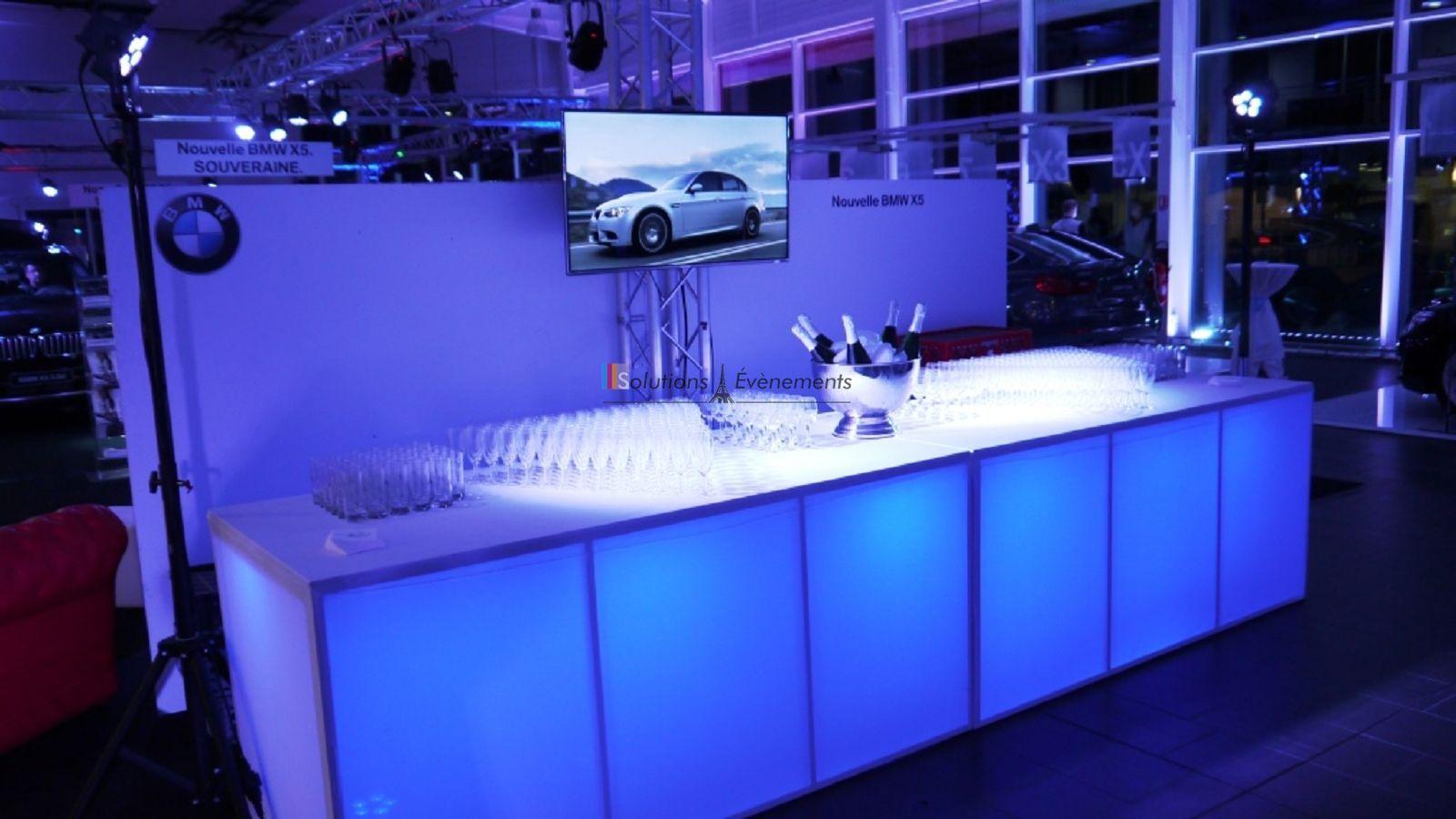 Location buffet pliant design avec housse blanche