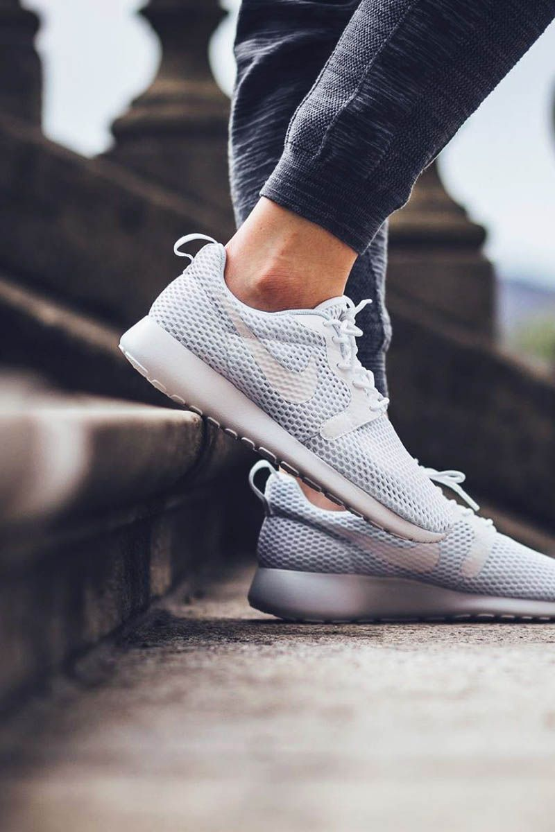 Nike Roshe Un Hyperfuse Toutes Les Femmes Blanches