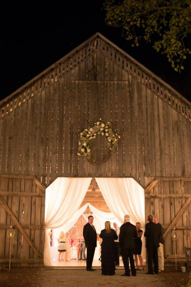 The Barn On Farm In Brandenburg Ky 40 Minutes From Louisville Inclusive Wedding Packages For Up To 100 Guests Part Of Southern Grace B