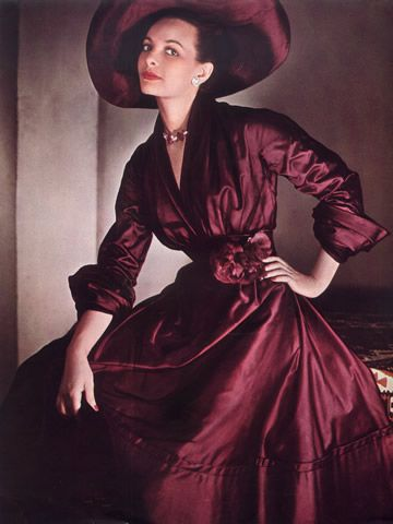 Gorgeous maroon dress and matching hat from Christian Dior, 1948. #vintage #1940s #fashion