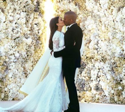 Www Blackwhitecupid Com Kiss Kanye West Wedding Kim Kardashian Wedding Dress Kardashian Wedding