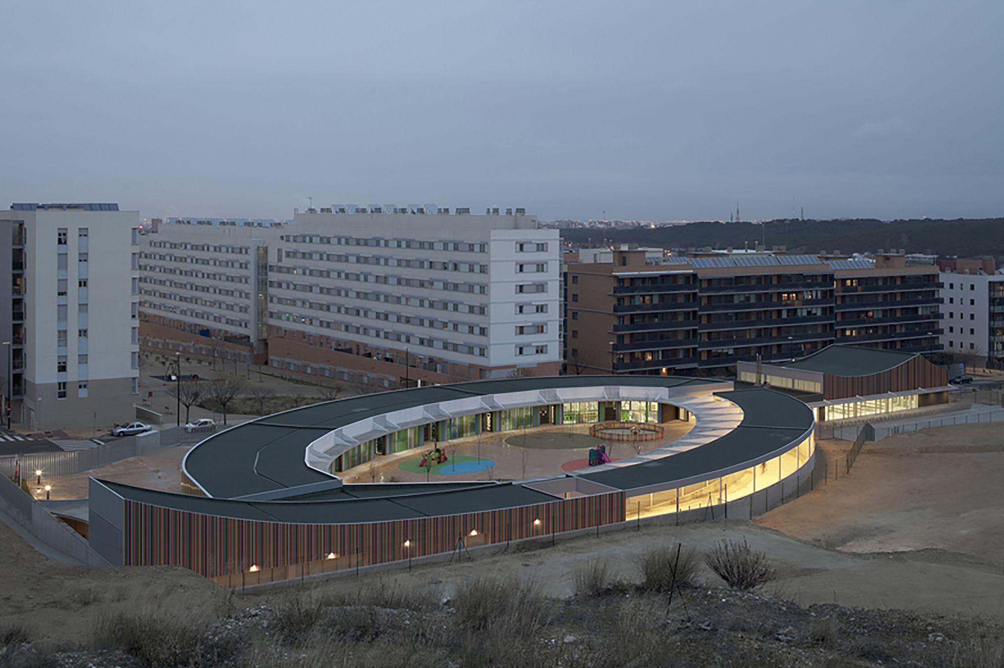 Galer a de centro de educaci n infantil en la ecociudad for Arquitectos de la arquitectura moderna