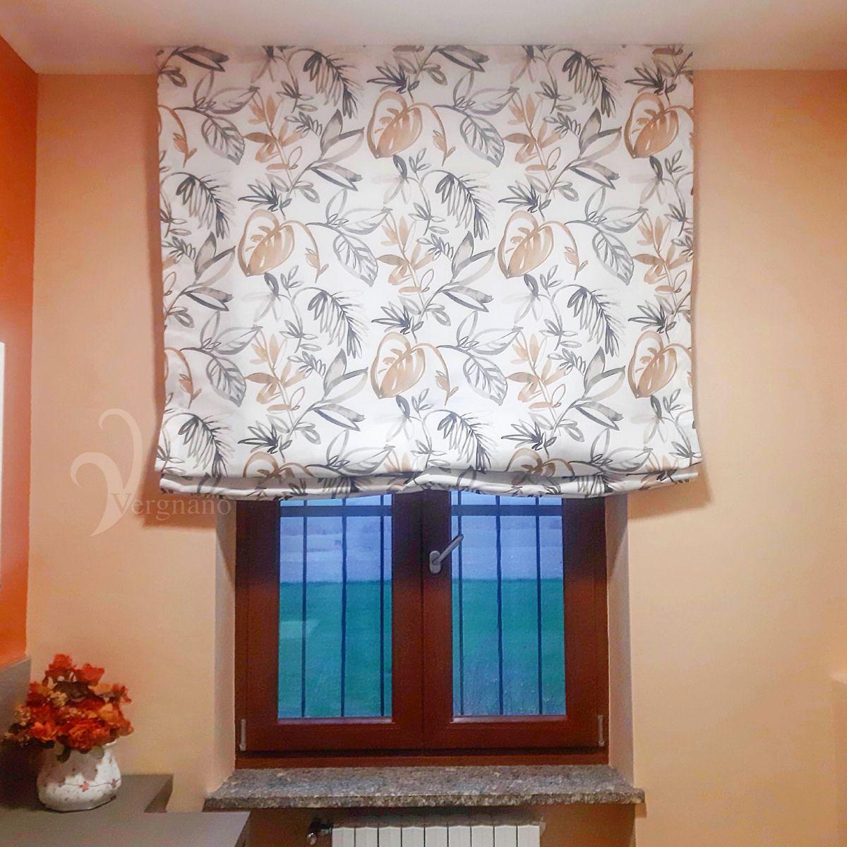 Le tende a rullo e a pacchetto di tende &… a roma, sono realizzate con tessuti e finiture di qualità che vestiranno con stile le vostre finestre. Tenda A Pacchetto In Tessuto Misto Cotone Stampato Tende A Pacchetto Tende Tendaggio