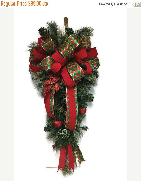 Christmas Door Swag Green And Red Traditional