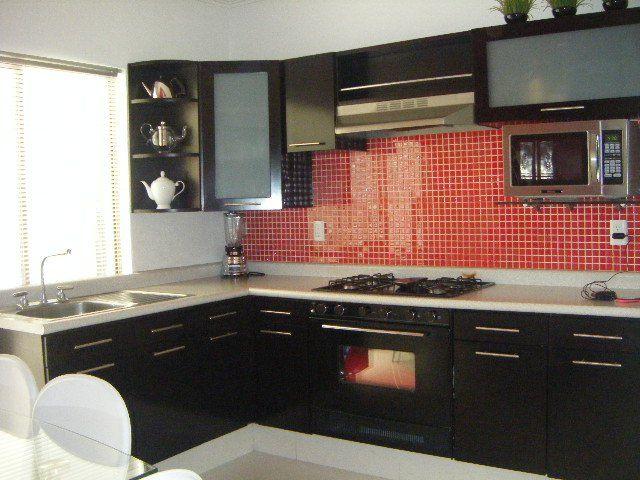 Azulejo rojo para la cocina  Ideas para la cocina  Kitchen Cabinets Kitchen y Home Decor