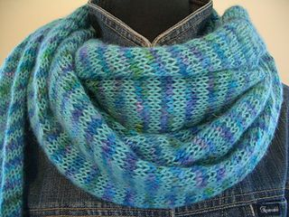 Free pattern on Ravelry Front_neck_small2