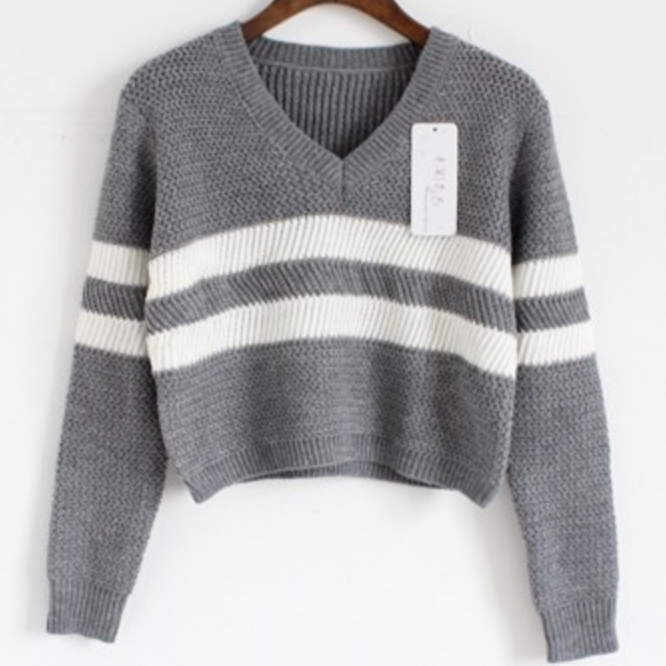 cb154ed1b1231 cropped knit sweater with oversized look. Made with a blend of cotton    polyester. Onesize fits most, measures  Bust 40 inches, Length 15 inches.