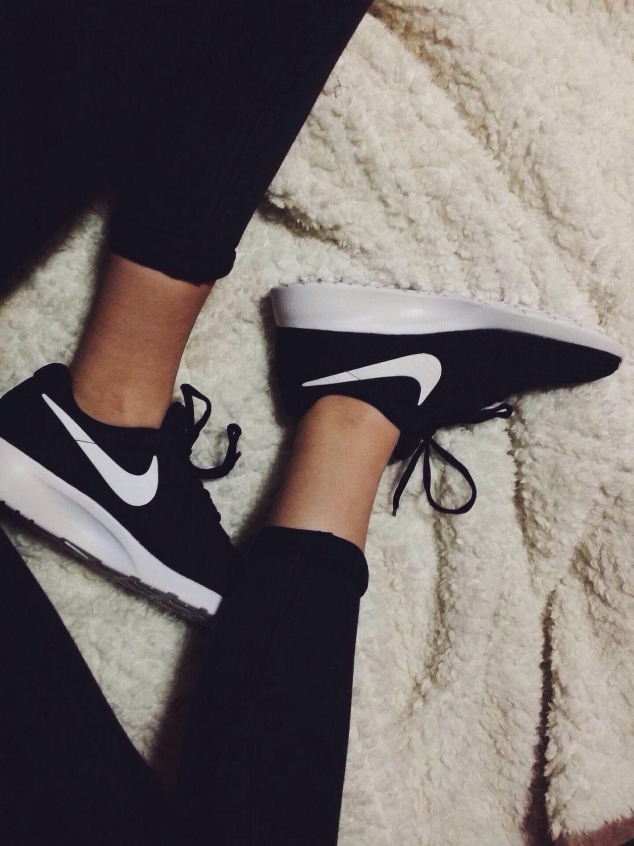 a0dfefc64e3d Nike tanjun black. Nike tanjun black Sneakers For Sale ...