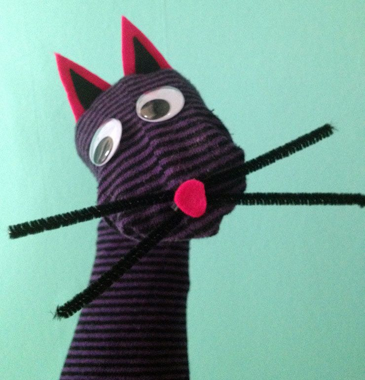 sock puppet easy to make one like this fun kids stuff. Black Bedroom Furniture Sets. Home Design Ideas
