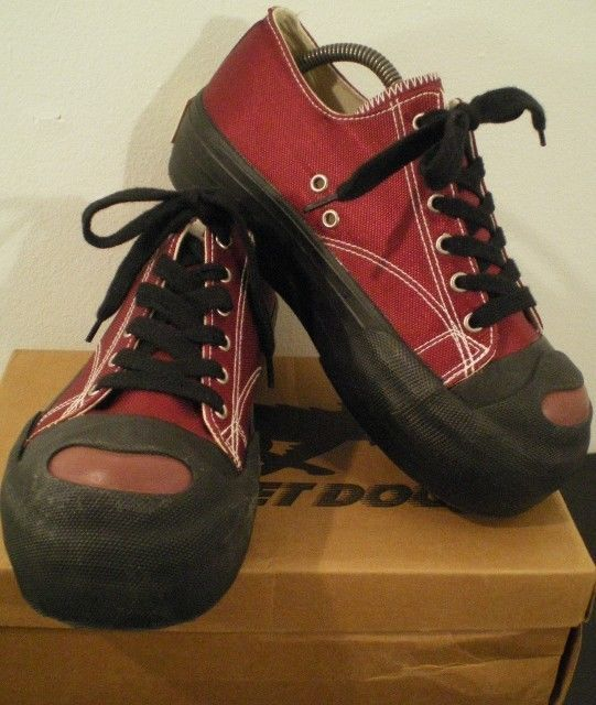 d09c959c11f ROCKET DOG CANVAS PLATFORM SNEAKERS NIB SIZE 9 WINE  NAVY HOTDOG  RocketDog   Platform