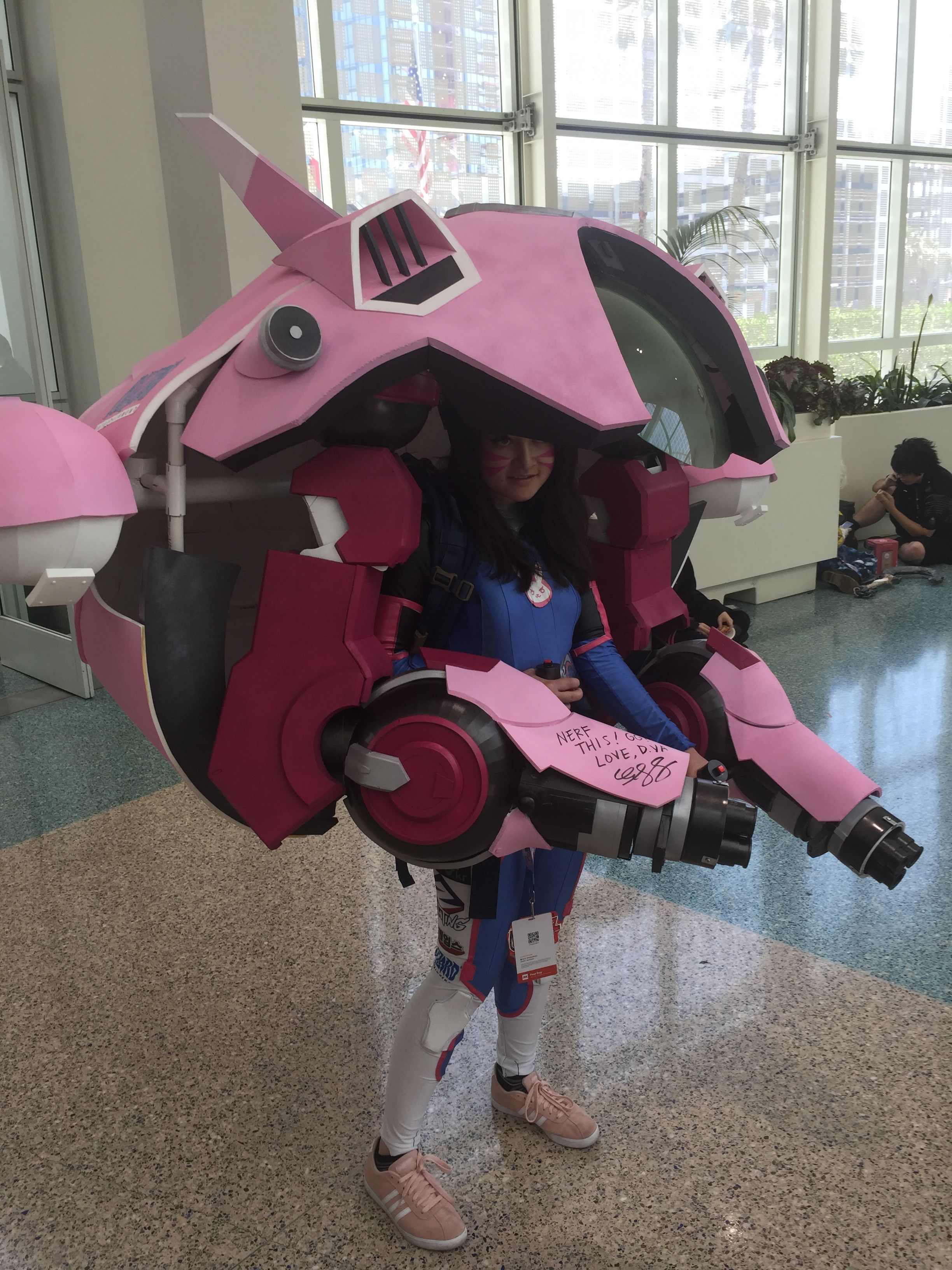 Anime Expo 2017 DVa Cosplayer With Autograph From Charlet Chung