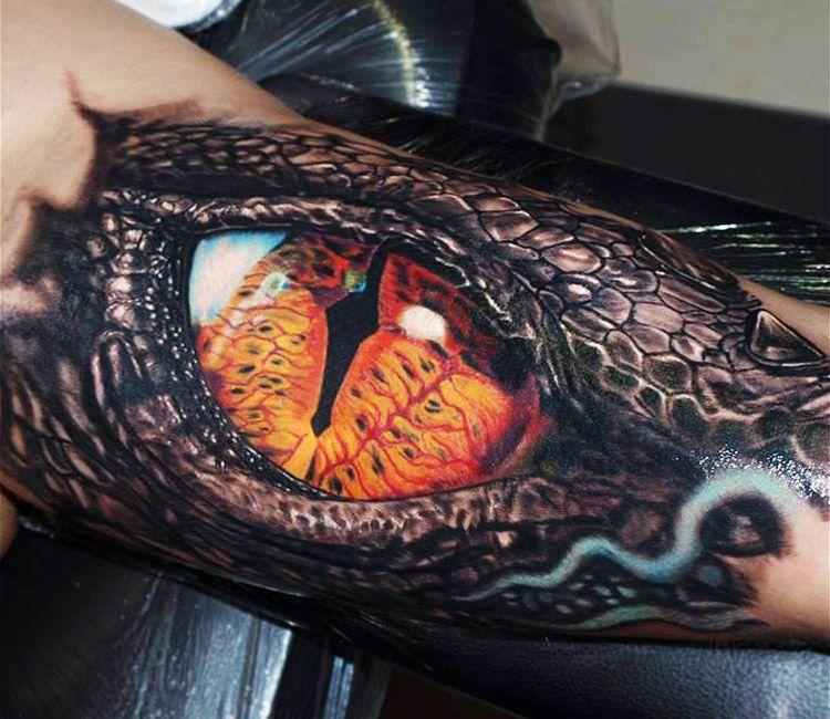 Smaug Eye Tattoo By Jurgis Mikalauskas Post 13353 Dragon Tattoos For Men Tattoos Eye Tattoo