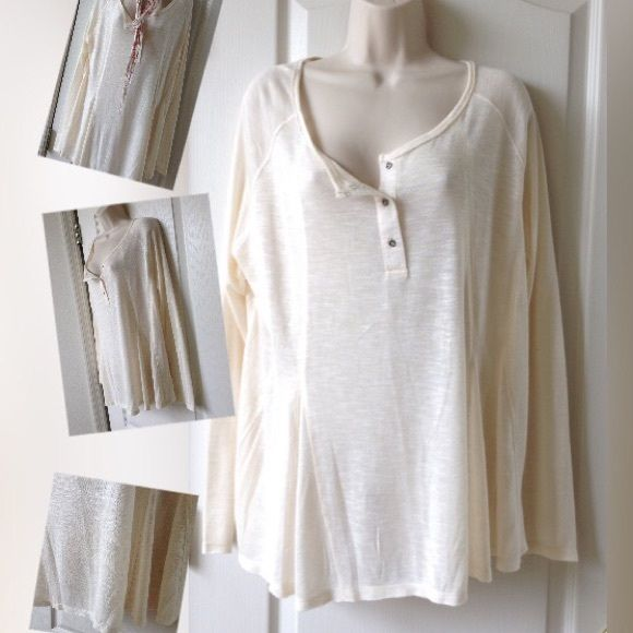 Cooper Key XL Cream color excellent extra light weight beautiful to wear as a oversize top Tops