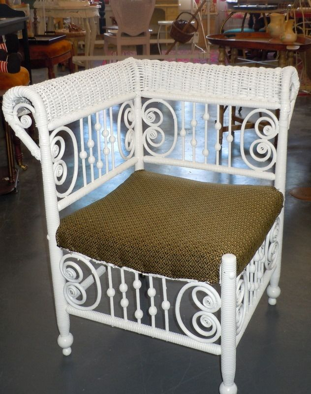 New Blog Post About Antique Wicker Furniture Just Click To Read Www Myoldhistorichouse Blo