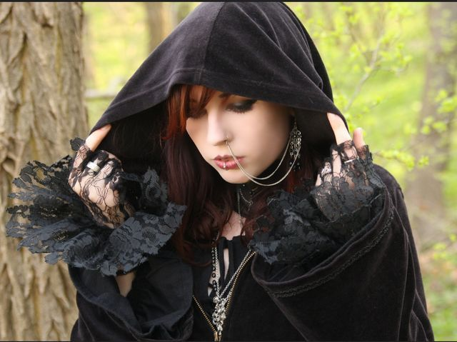 I got: Goth/Emo! i love the dark and am in love with the colors black,gray,or red i mainly stay away from people t and i cane be found at concerts like warped tour, What type of girl are you?