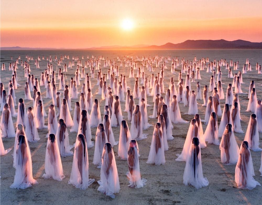 Hundreds of shivering Australians get nude for U.S