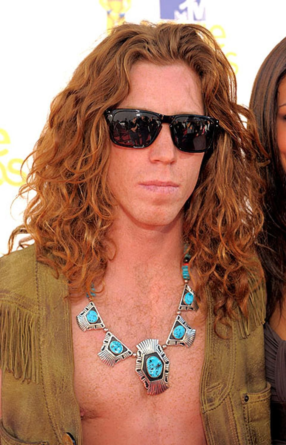 After Arrest Olympic Snowboarder Shaun White Apologizes For Unwise Choices Shaun White Shaun White Olympics Long Hair Styles