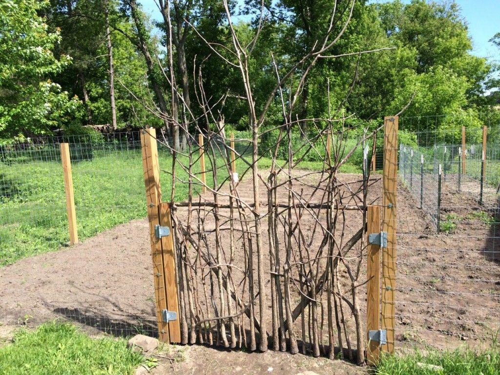 How To Build A Rustic Garden Gate Garden Gate Design Rustic