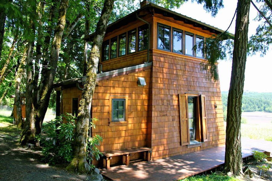 Beacon Cabin Tiny House Swoon A two story cabin with 450