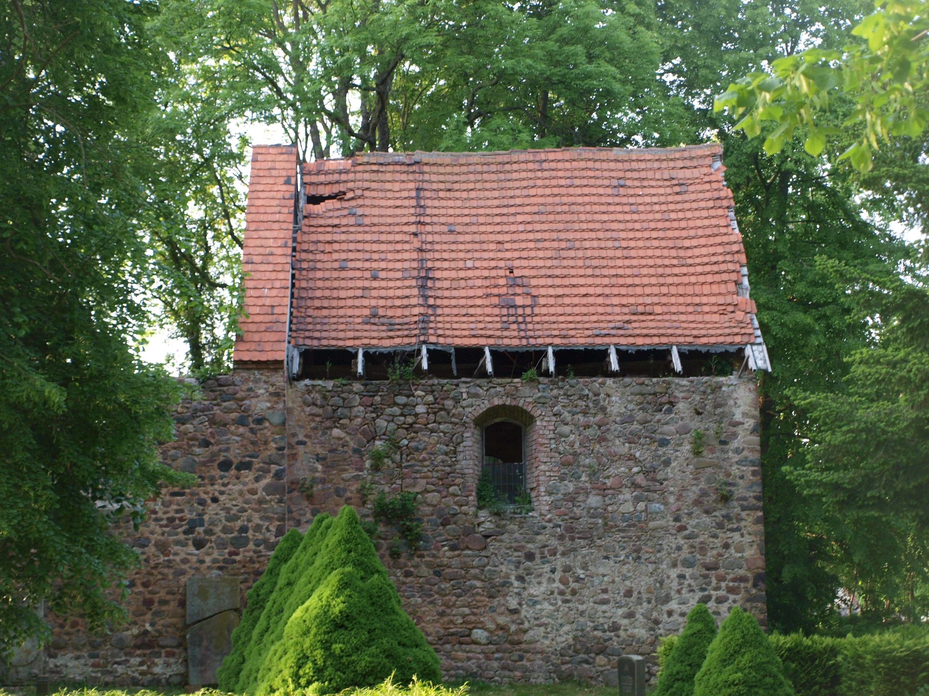 Klein Lübars, Kirche