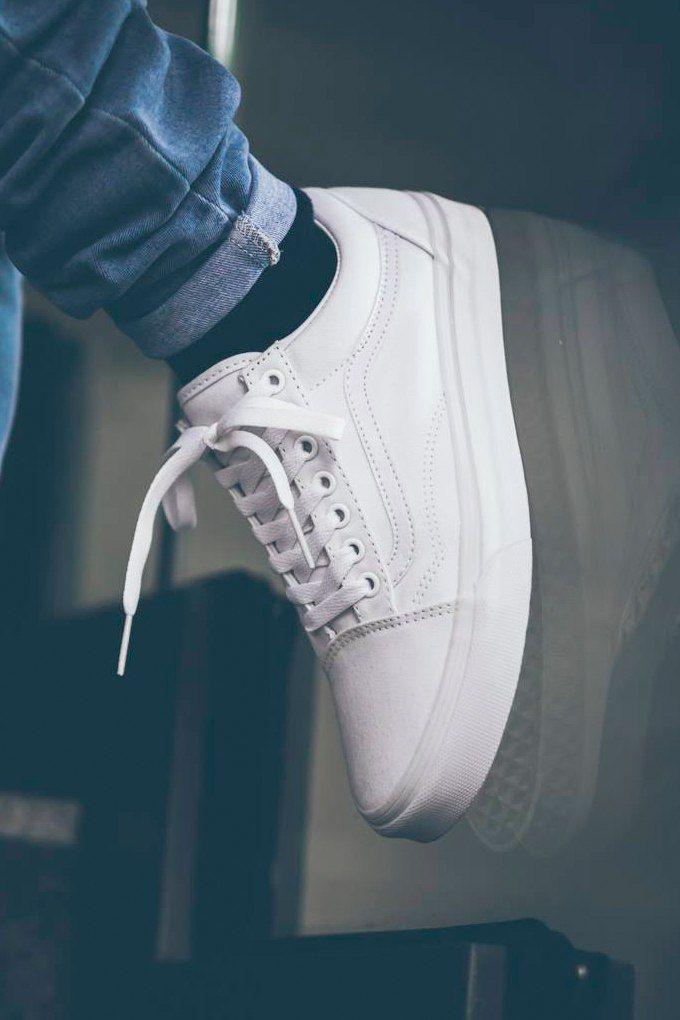 a61e09786b758 Vans Old Skool  Monochrome Pack  White Zapatillas Blancas