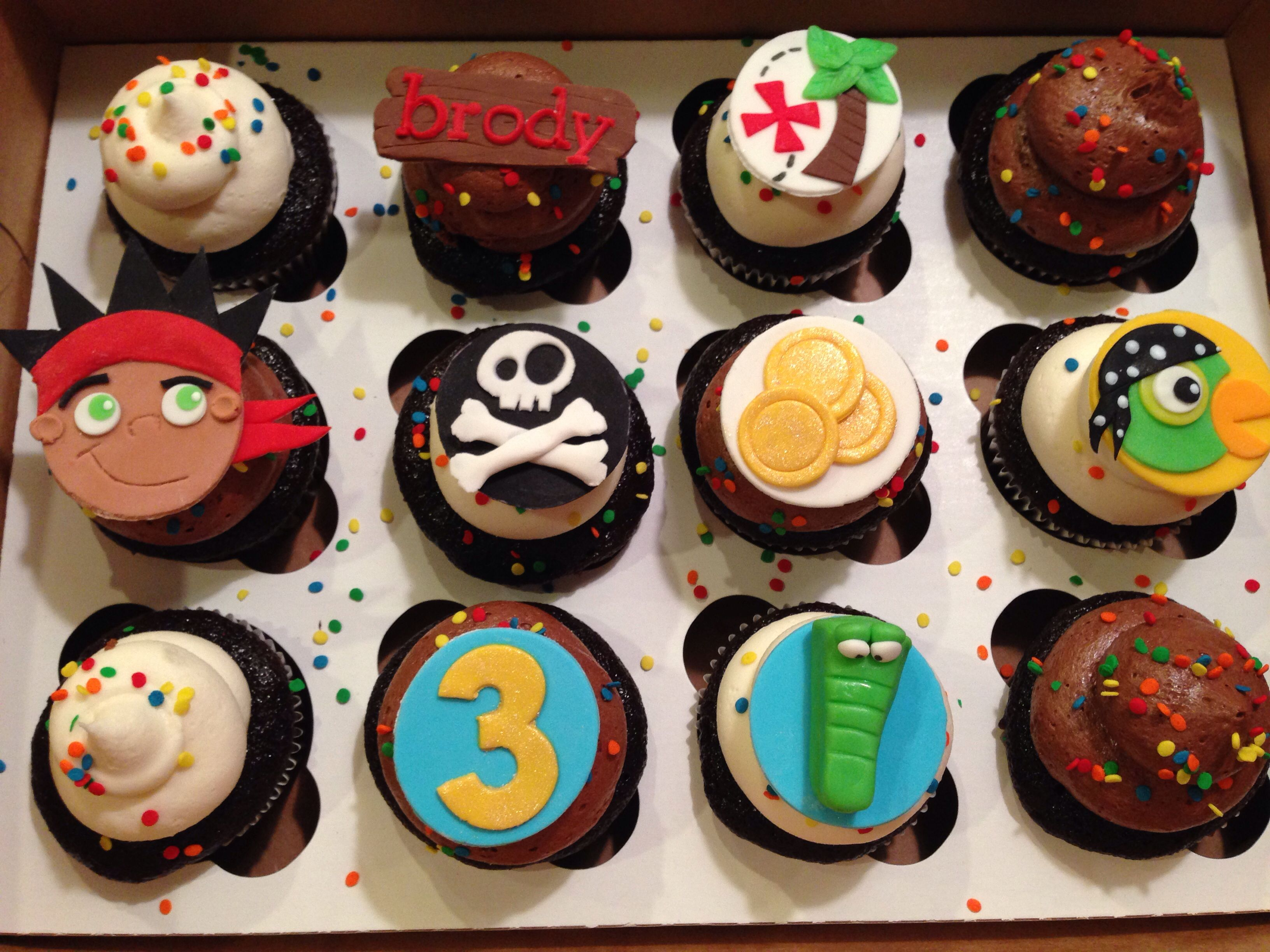 Cake ideas on pinterest pirate cakes marshmallow fondant and - Jake And The Neverland Pirates Birthday Cupcakes