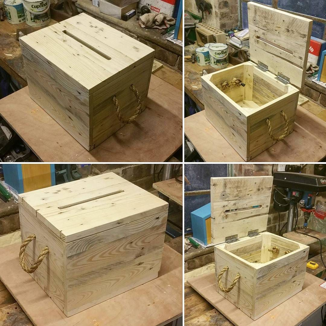 pMichael and Hannah collected cards from their guests in a crate – Wedding Card Box Alternatives