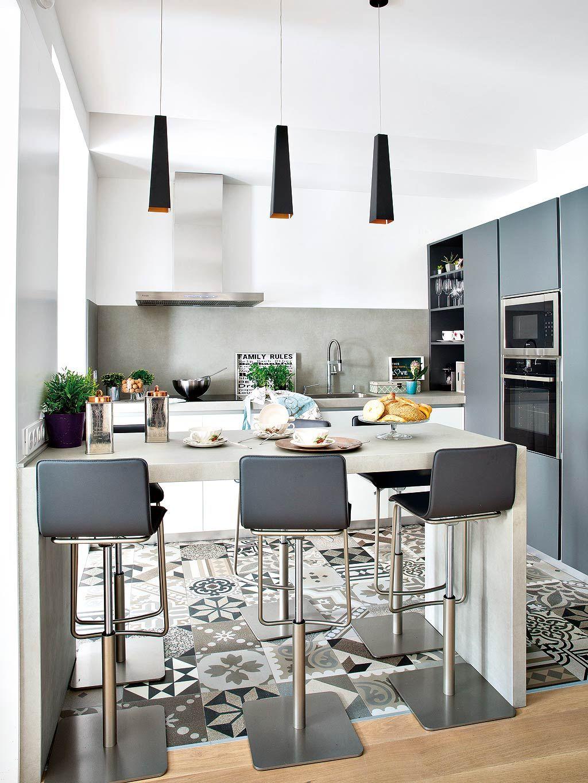 Nouvelle vie pour une maison  Madrid  Cuisines avec lot central