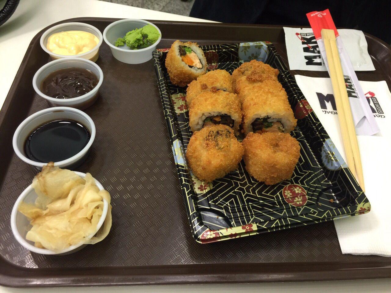 Sushi roll , YAMMI