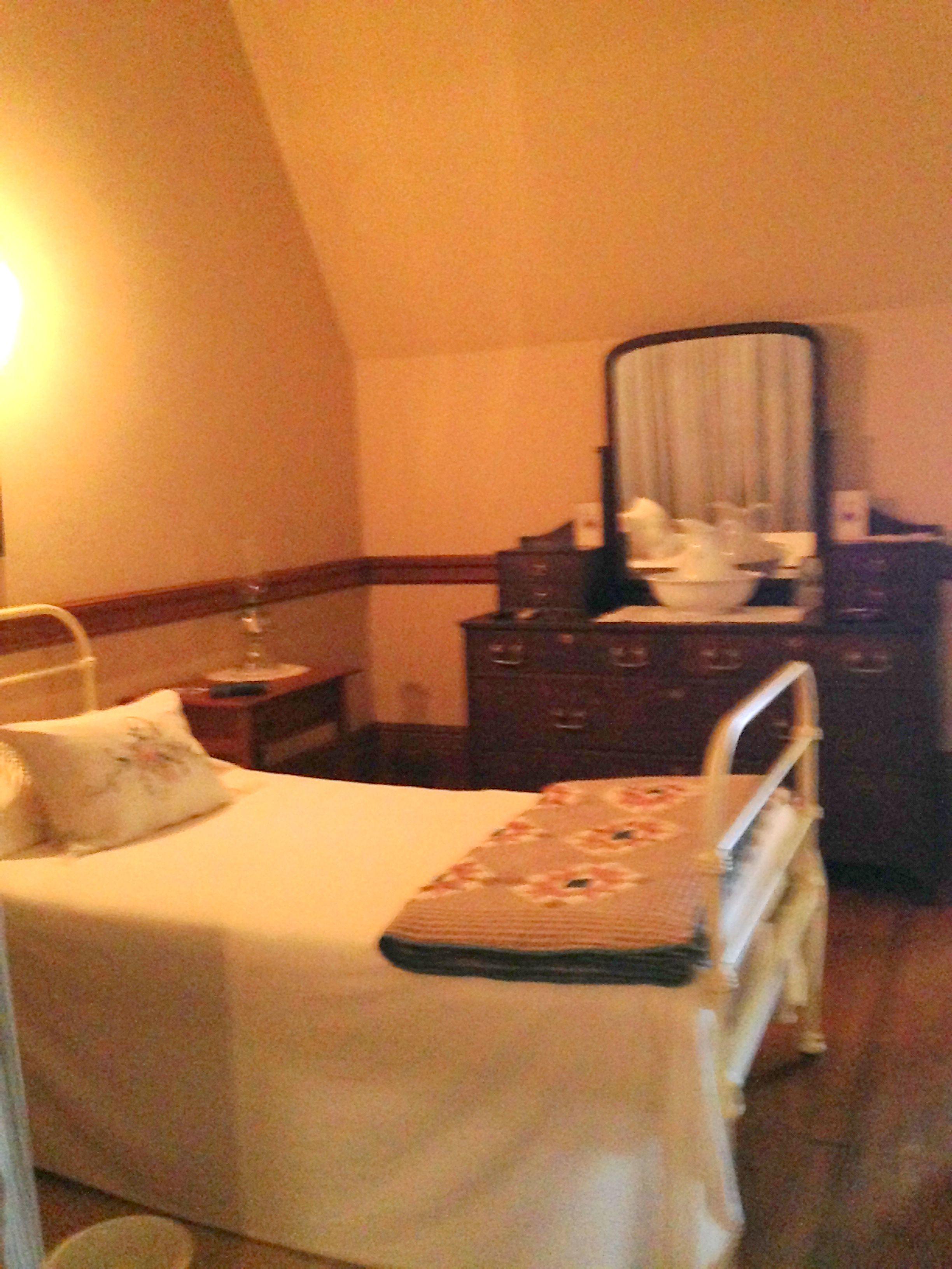 Biltmore House- 4th floor-Women servant's bedroom