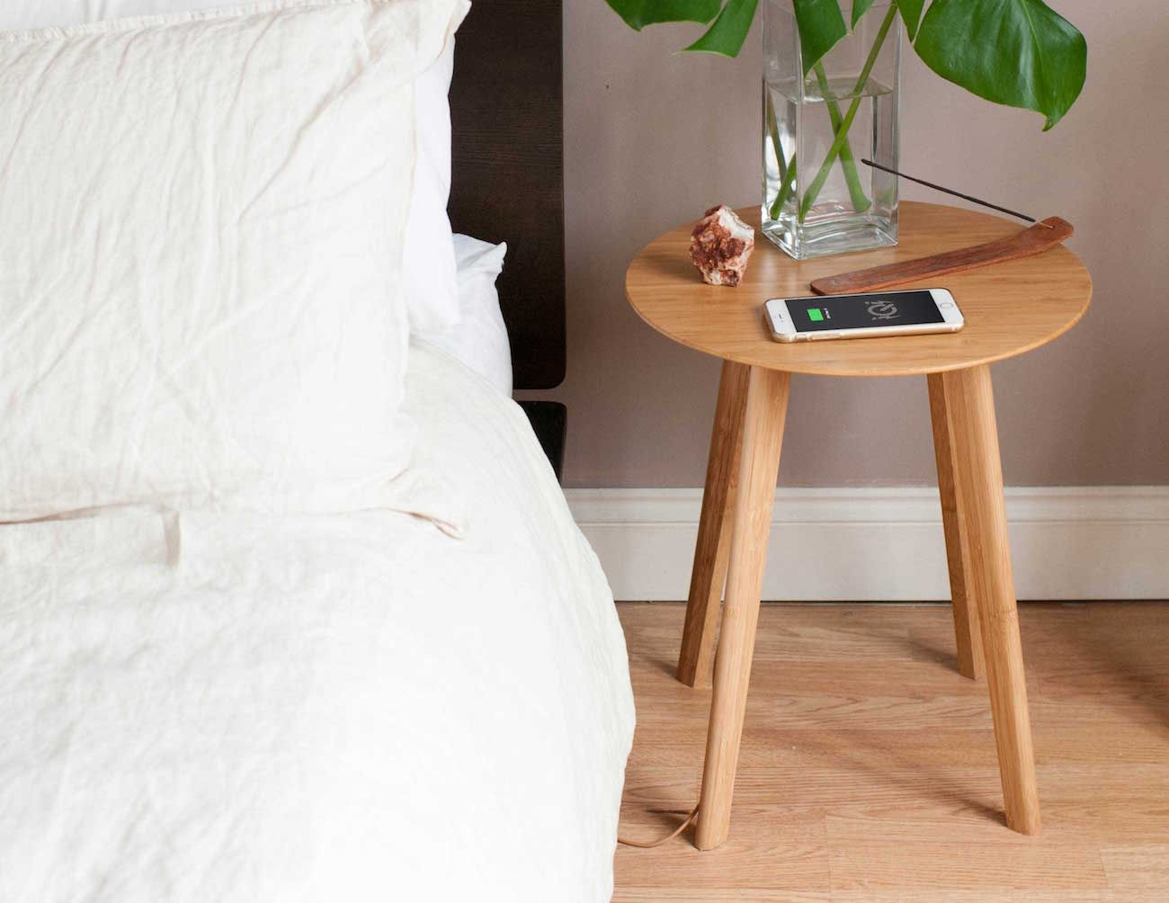 Wireless Charging End Table Wire Center Com Circuitdiagram Powersupplycircuit Parallelregulatedpower Furniqi Is A Sleek And Stylish Side That Incorporates Qi Rh Za Pinterest Coffee Diy