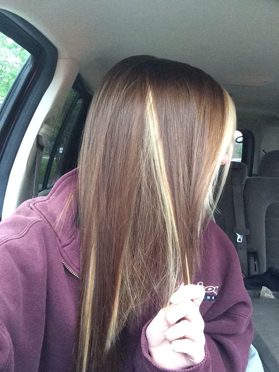 Miley Cyrus Light Brown Hair With Peekaboo Blonde 3 Brown