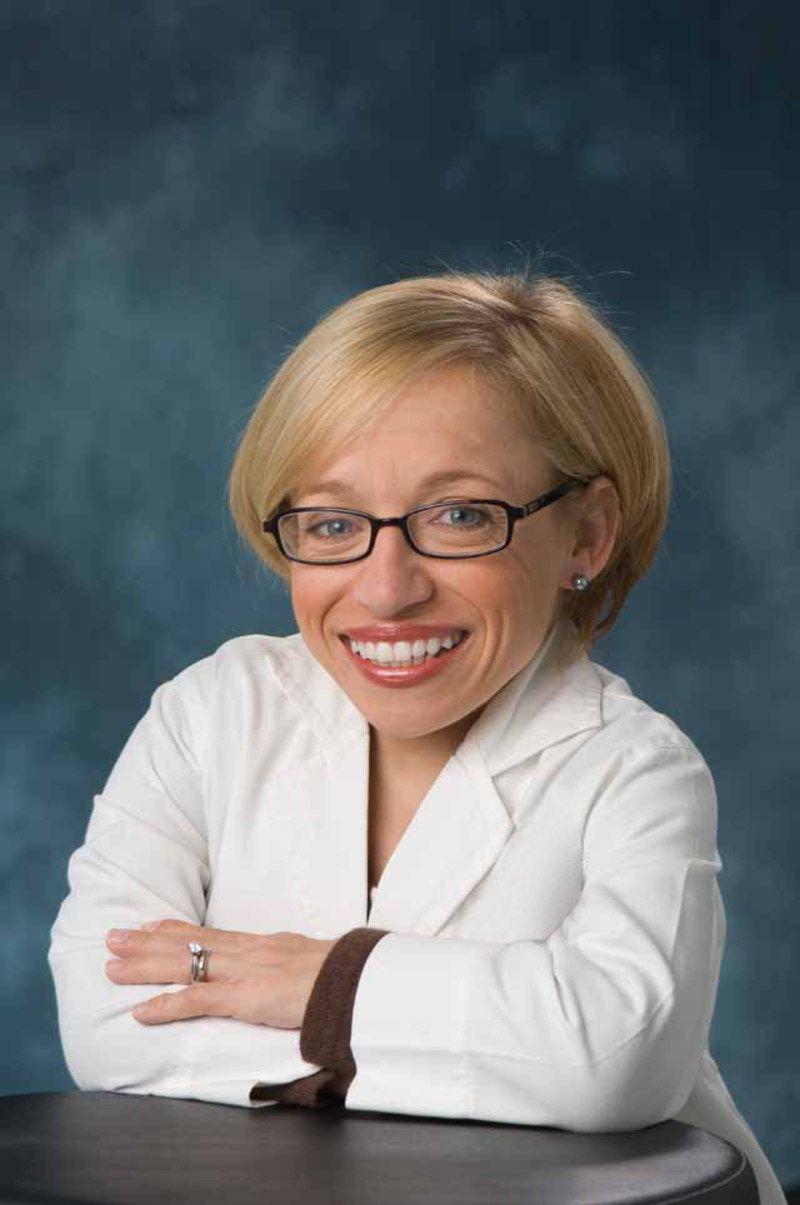 Dr  Jennifer Arnold, Medical Director of the Simulation