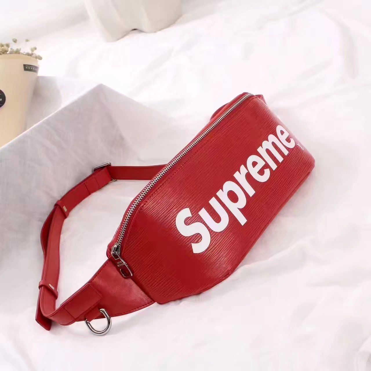 ac36d9860a2c Replica Louis Vuitton x Supreme Bum bag Epi Red ID 31411