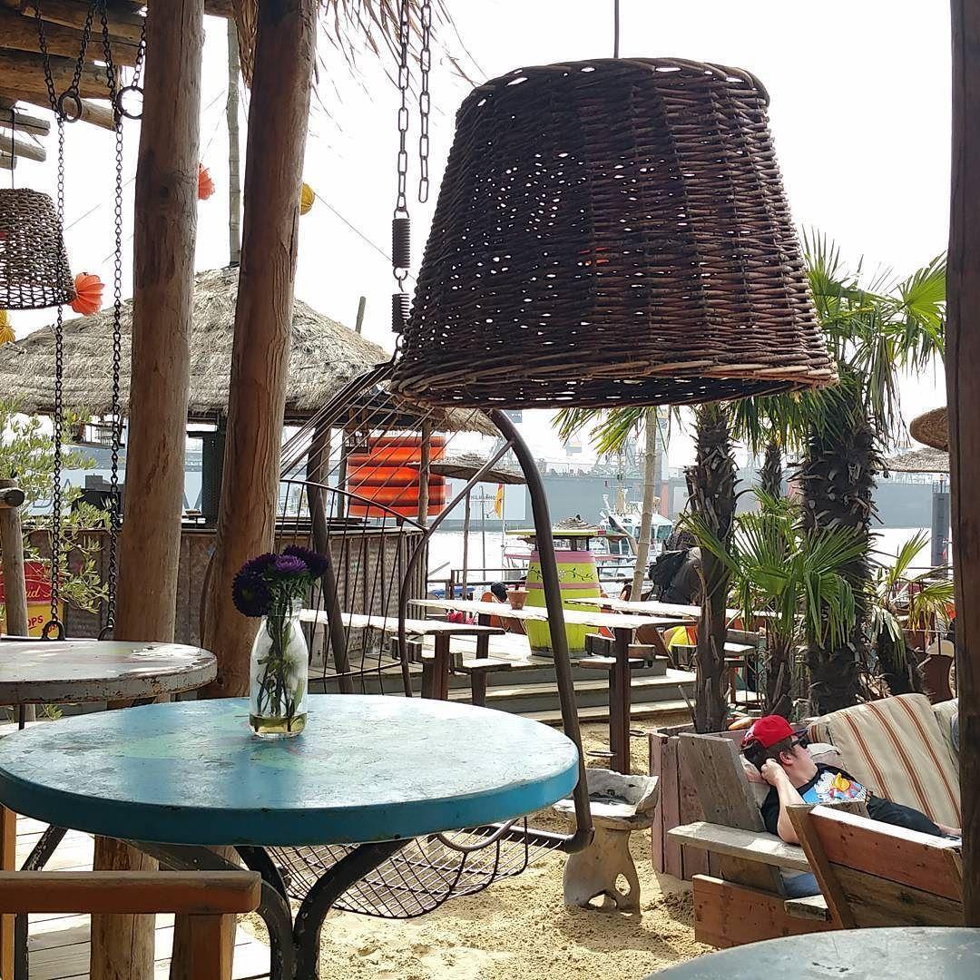 Einfach traumhaft hier. #strandpauli #stpauli #hamburg #hamburgmeineperle #hamburgcity #hafen #ahoihamburg #hamburgliebe #beachclub #sommer #summer #summer2016 #sunshine