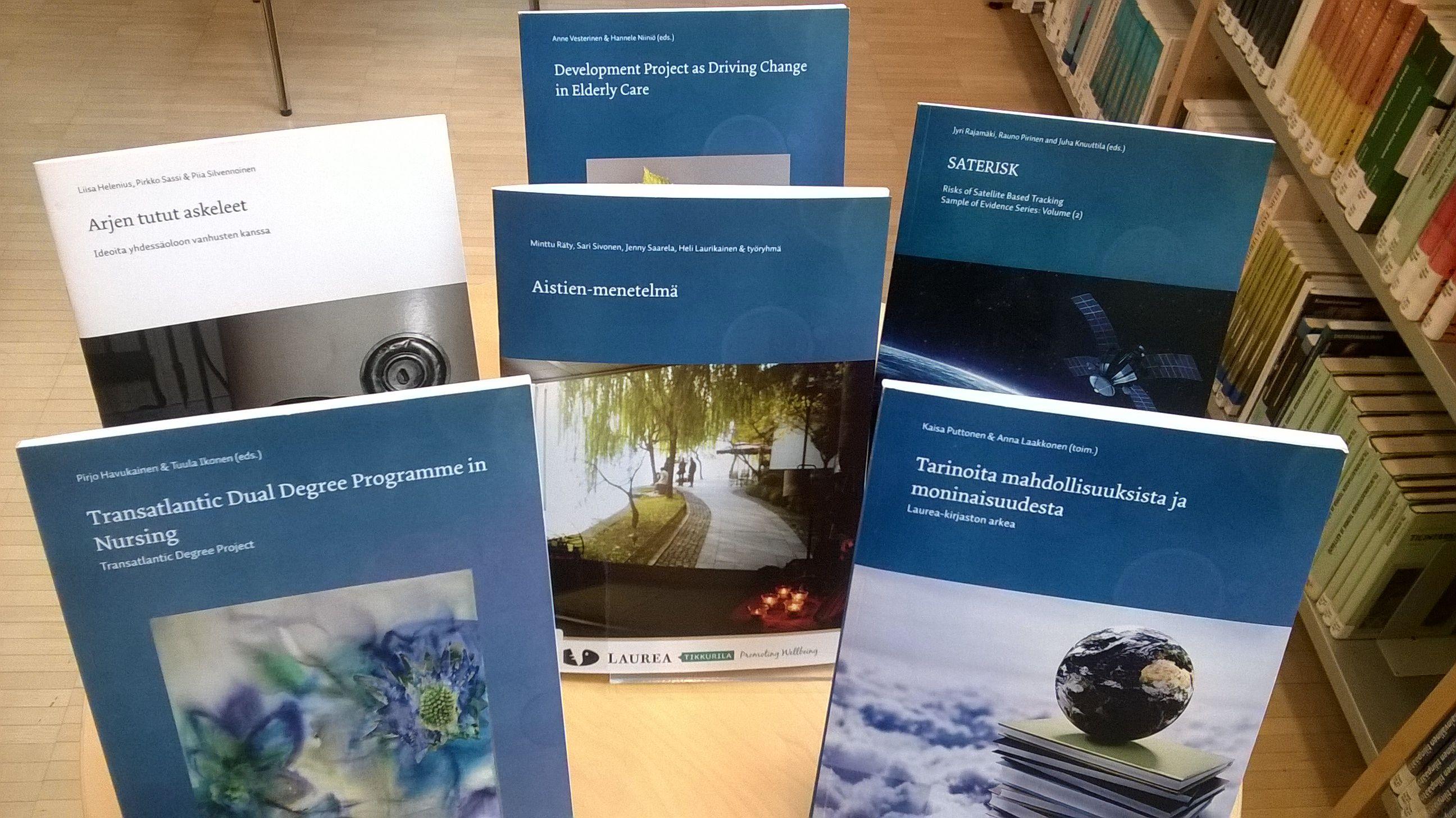 Laurealaisia kirjoissa, kansissa ja kirjaston hyllyissä http://laureakirjasto.wordpress.com/2014/05/13/laurealaisia-kirjoissa-kansissa-ja-kirjaston-hyllyissa/
