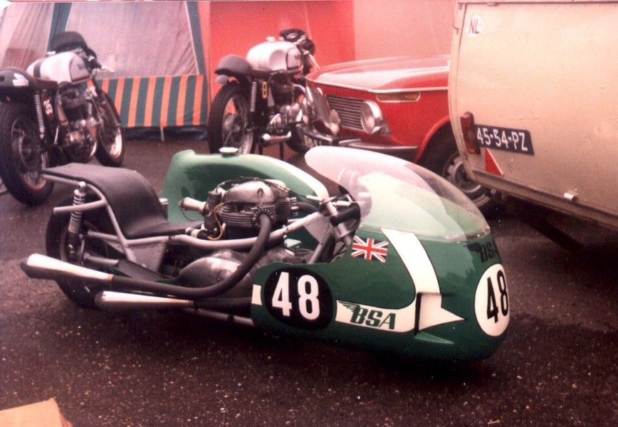 Cars Kleding.Pin By Matt Higgins On Chairs Racing Motorcycles Bsa Motorcycle