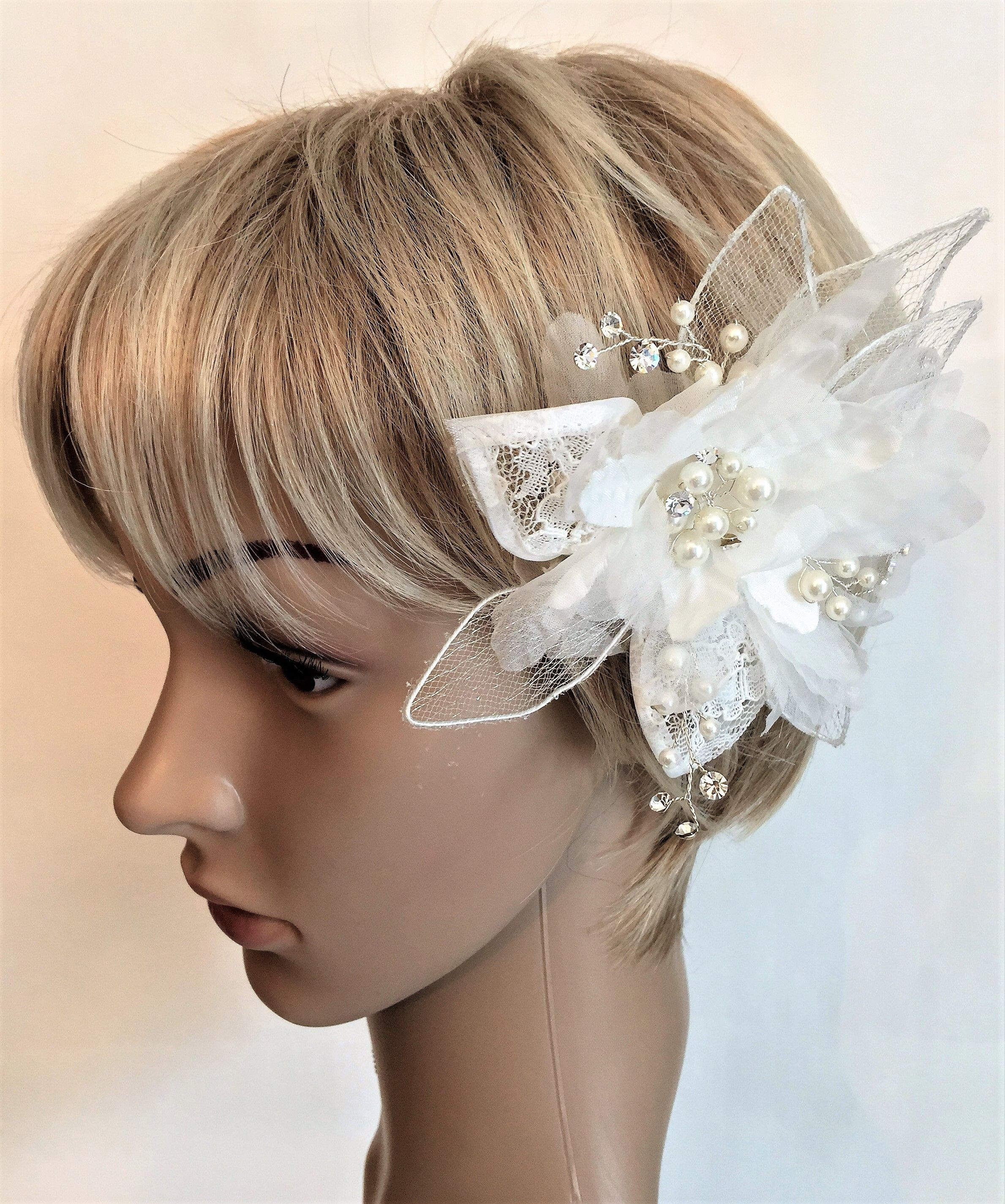 Lace flower with pearls hair comb New Never Worn Bridal hair