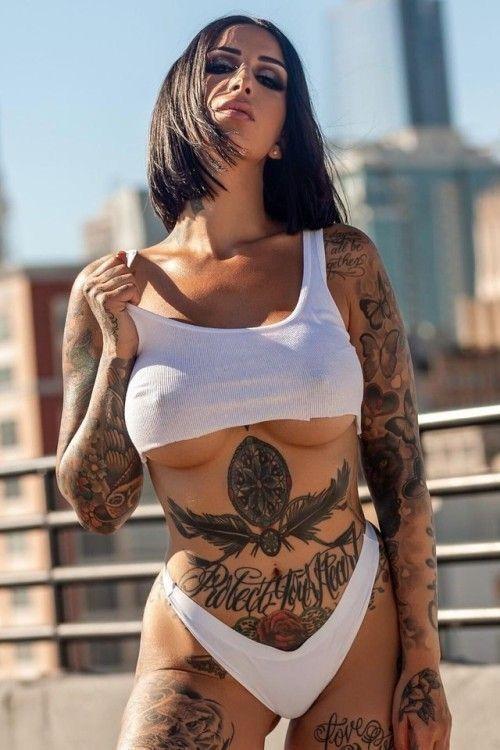 Hot Naked Pics Busty coco tits