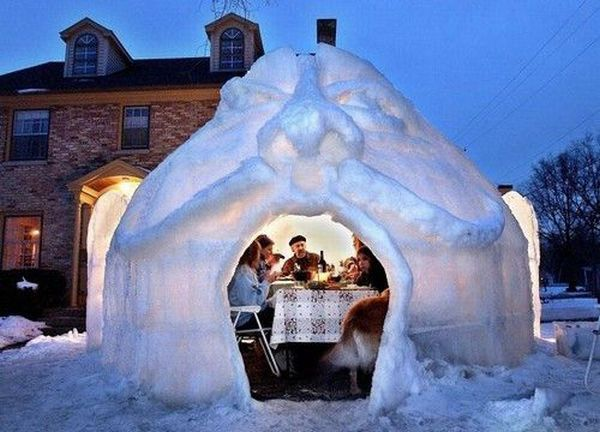 1a39707d4f54 Cool snow fort.. would love to build this