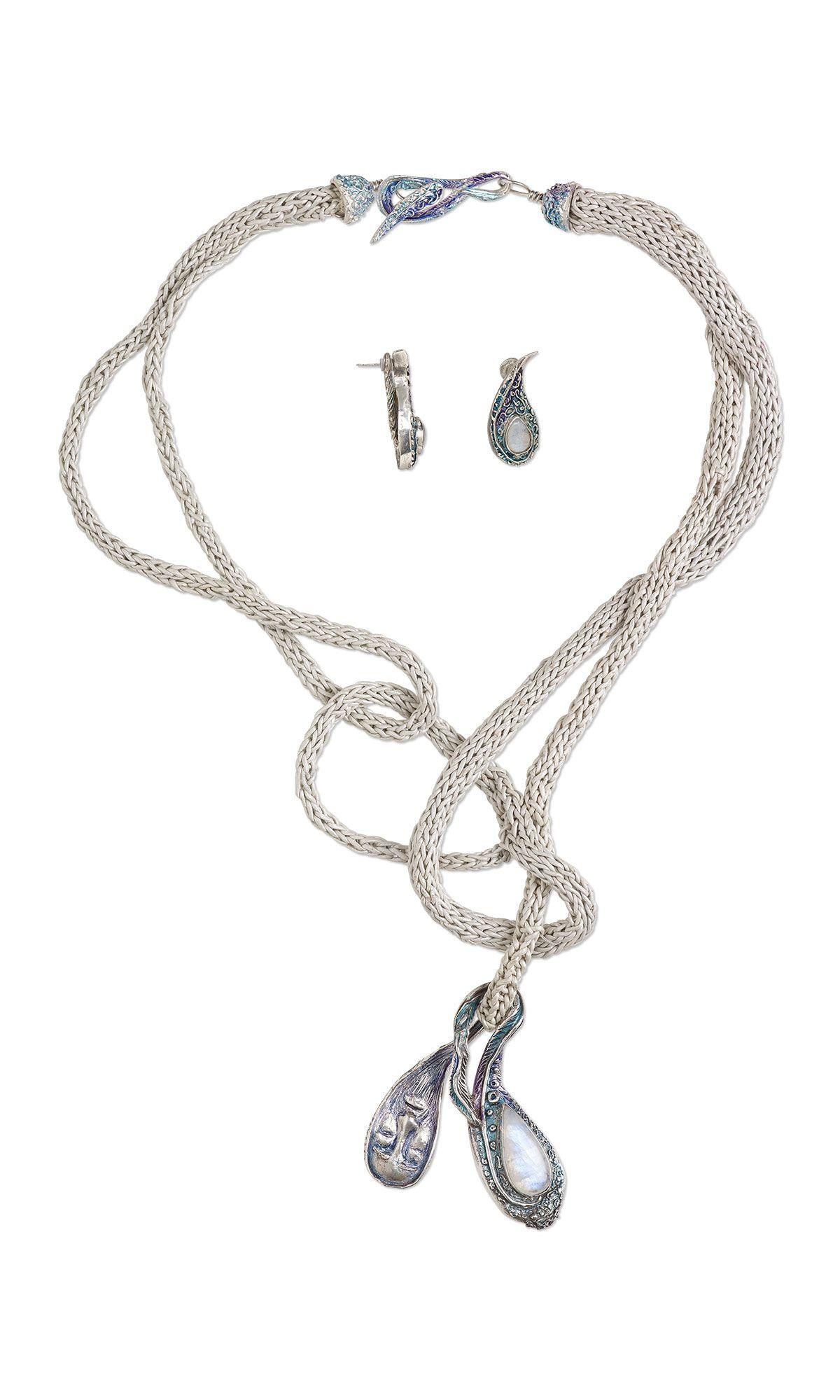 Dejando atras ''Leaving behind'' by Designer Rosa Elena Rivera -  Fire Mountain Gems and Beads' Contest 2016 featuring Metal -  Finalist  #beadingcontest #jewelrydesign #beading #metalsmith #diyjewelry #jewelrymakingcontest