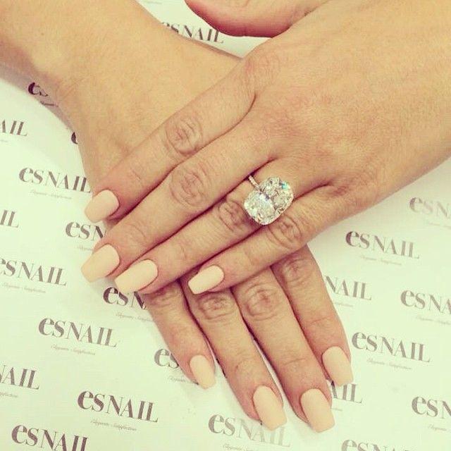 kim kardashian engagement ring matte nude mani | nail polish ...