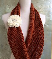 Ravelry: Lacy Infinity Scarf pattern by Ester Puente