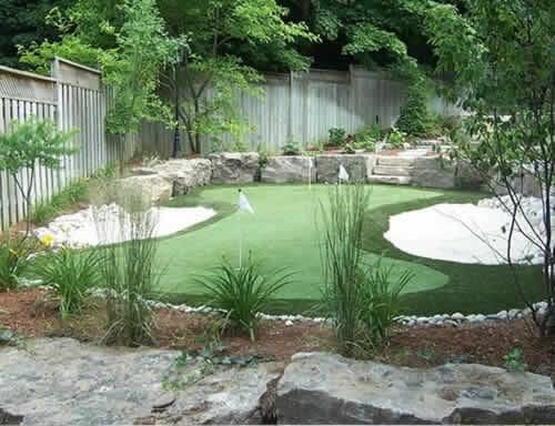 backyard putting green guests can get in their golf