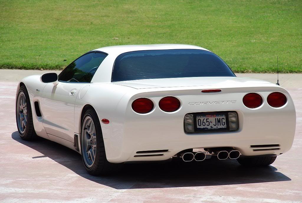 2001 Speedway White Z06 Corvette Forum Corvette White Corvette Chevrolet Corvette