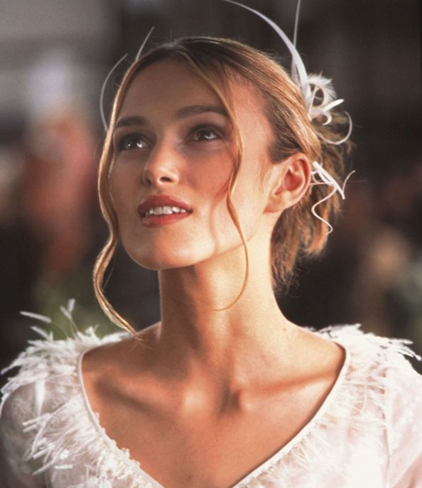 The Best Classic Beauty Looks From Holiday Movies Movie Wedding Dresses Wedding Movies Keira Knightley Love Actually